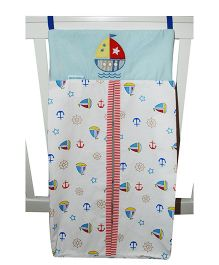 Abracadabra Diaper Stacker Ship Patch - White
