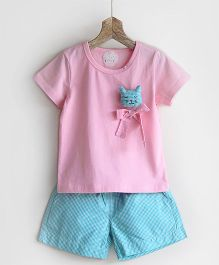 Pluie Tee With Cute Cat Design & Checkered Shorts - Pink & Green