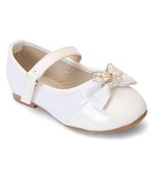 Cute Walk By Babyhug Belly Shoes Embellished Bow Applique - White