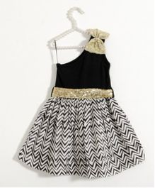 Fairies Forever Chevron Printed One Shoulder Party Dress - Black & White