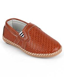 Cute Walk by Babyhug Casual Shoes - Brown