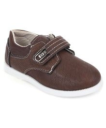 Cute Walk by Babyhug Sneakers With Velcro Closure - Light Brown