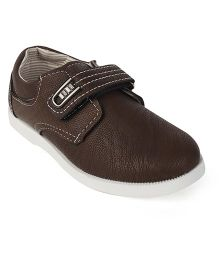 Cute Walk by Babyhug Casual Shoes With Velcro Closure