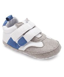 Cute Walk by Babyhug Casual Booties - Light Grey