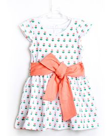 Chic Bambino Floral Print Dress - Peach & White