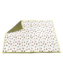 HouseThis The Dino Kingdom Pure Cotton Quilt - White & Green