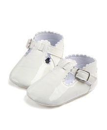 Alle Alle Belly Shoes Style Booties - White
