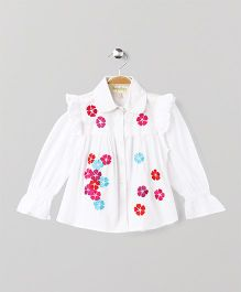 Hugsntugs Full Sleeves Top With Flower Patch - White