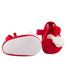 Daizy Ribbon Rose Flower Applique Booties - Red