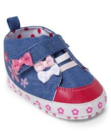 Cute Walk by Babyhug Booties Velcro Closure Bow Applique - Light Blue