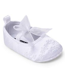 Cute Walk by Babyhug Shoes Style Booties Self Design - White