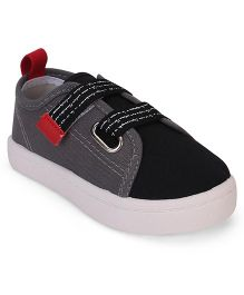 Cute Walk by Babyhug Casual Shoes - Grey & Black