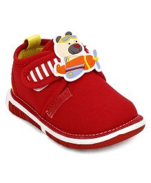 Cute Walk by Babyhug Casual Shoes Teddy Applique - Red