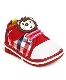 Cute Walk by Babyhug Casual Shoes Lion Motif - Red