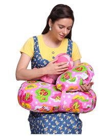 MomToBe Feeding Pillow & Nursing Pillow Alphabet Print - Pink