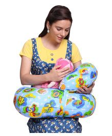 MomToBe Feeding Pillow & Nursing Pillow Alphabet Print - Blue
