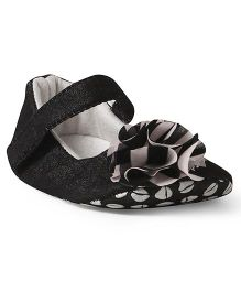 Ivee Flower Applique Velcro Closure Booties - Black