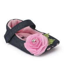 Ivee Rose Flower Applique Anti Skid Booties - Pink