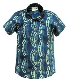 Snowflakes Half Sleeves Shirt Geometric  Print - Blue
