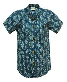 Snowflakes Half Sleeves Shirt Leaf Print - Blue