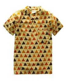 Snowflakes Half Sleeves Short Kurta Triangle Print - Yellow