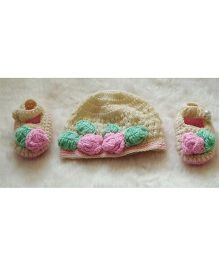 The Original Knit Little Flower Design Cap & Booties Set - Off White