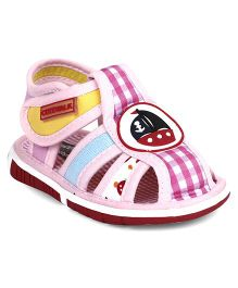Cute Walk by Babyhug Sandals Ship Patch - Pink