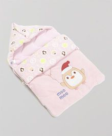Mee Mee Hooded Carry Nest Penguin Patch - Pink