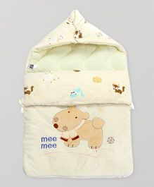 Mee Mee Hooded Carry Nest Doggy Patch - Light Yellow