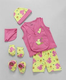 Ohms Clothing Set Squirrel Print Set of 9 - Pink & Yellow