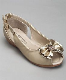 Cute Walk By Babyhug Peep Toes Bow Applique - Golden