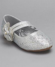 Cute Walk By Babyhug Party Wear Belly Shoes Bow Applique - Silver