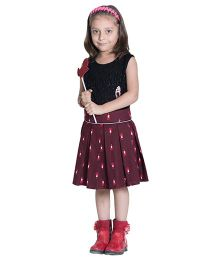 Kidofy Santa Print Pleated Skirt - Maroon