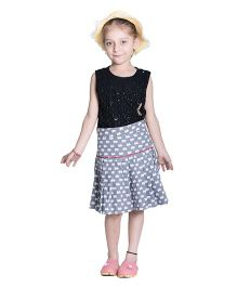 Kidofy Bear Print Low Rise Pleated Skirt - Grey