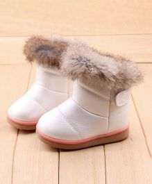 Wonderland Boots With Fur - White