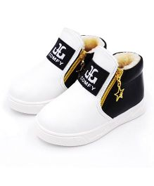 Wonderland Sneakers With Star Design Zipper - White