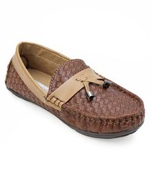 Cute Walk by Babyhug Loafer Shoes Textured Design - Brown