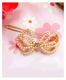 Flaunt Chic Pearl Butterfly Clip - Gold