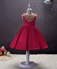 SAPS Sleeveless Party Wear Dress With Lace Design - Maroon