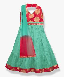 BownBee Brocade Halter Neck Blouse With Tiered Skirt & Ombre Shawl - Red & Green