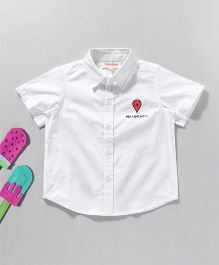 Hugsntugs Short Sleeve Shirt With Location Embroidery - White