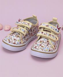 Cute Walk by Babyhug Casual Shoes Floral Print - Beige