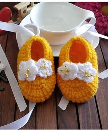 The Original Knit Lilly Flower Booties & Set Of 2 Tic Tac - Yellow