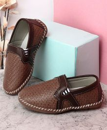 Kidlingss Slip-On Style Loafers - Brown