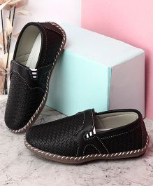 Kidlingss Slip-On Style Loafers - Black
