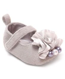 Cute Walk by Babyhug Booties Pearl Motif - Beige