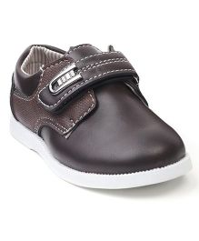 Cute Walk by Babyhug Casual Shoes With Velcro Closure - Coffee Brown