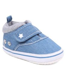 Cute Walk by Babyhug Booties Velcro Closure - Blue