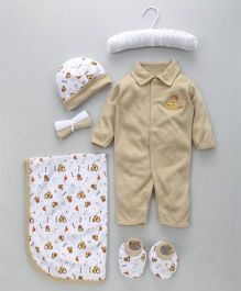 Mee Mee Baby Gift Set Car Embroidery Brown - 7 Pieces