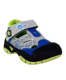 Myau Solid Velcro Closure Sports Shoes - Black & Green